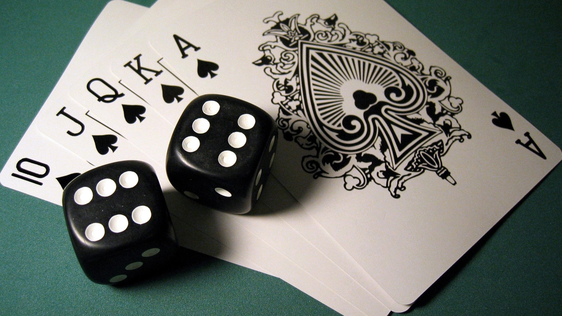 How to play online game easily to make profit?