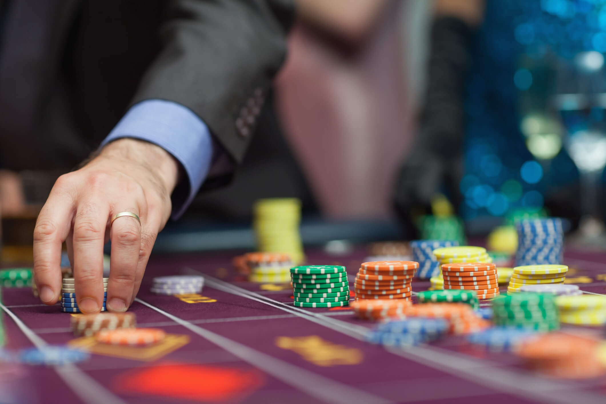 Enjoy placing bets on your favourite sports at home with situs poker online