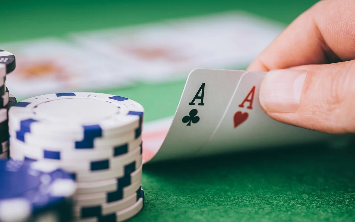 Strategy for Playing Poker Online